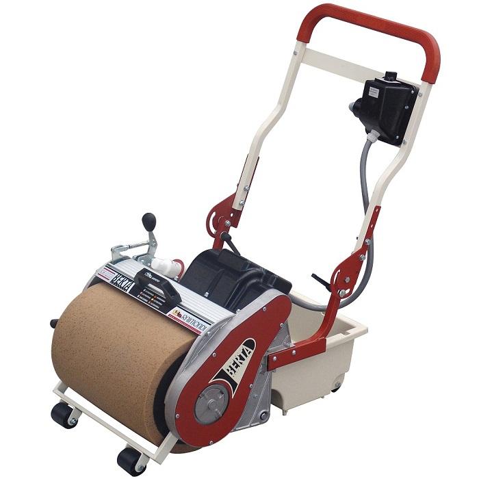 sponsmachine voor het reinigen van een tegelvloer